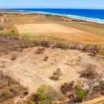 PLATFORM BEACH / Land of 200M2 / $ 250,000 / 100 meters from the beach 2