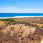 PLATFORM BEACH / Land of 200M2 / $ 250,000 / 100 meters from the beach 4