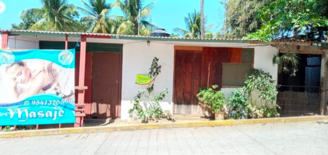 Punta de Zicatela / 280 m2 / calle principal 1