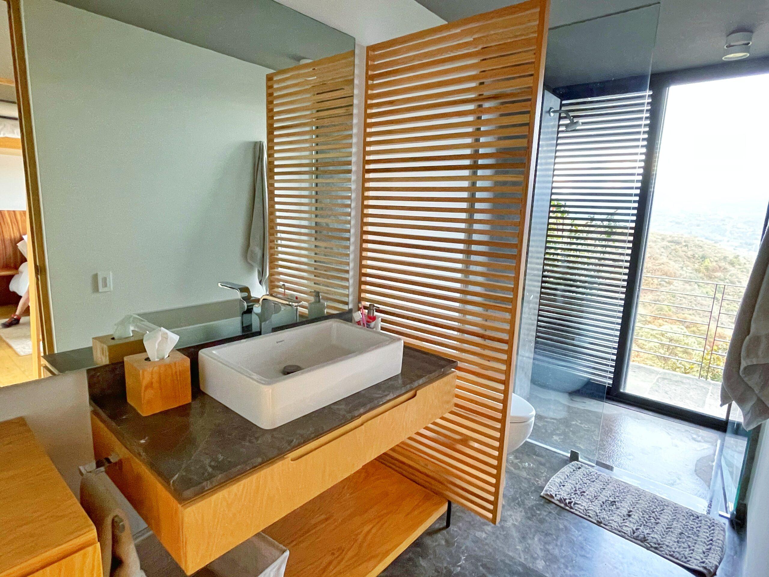 Moderna casa en venta, Increíble Vista al Lago, El Santuario, Valle de Bravo. 12
