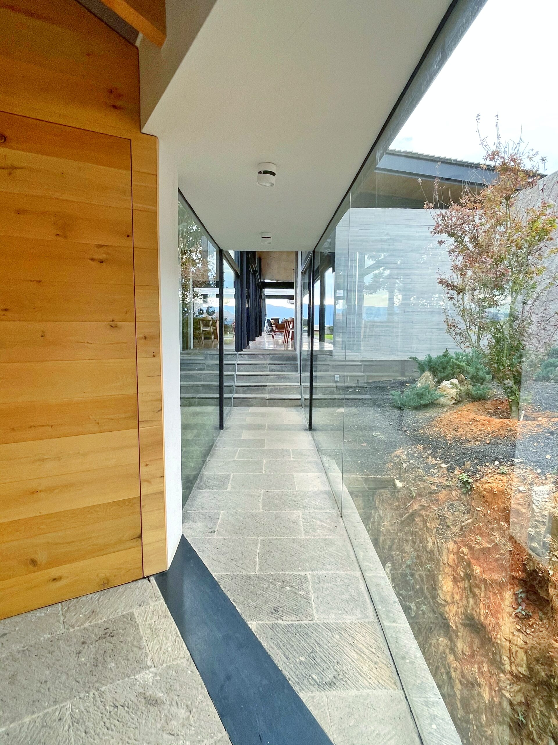 Moderna casa en venta, Increíble Vista al Lago, El Santuario, Valle de Bravo. 10