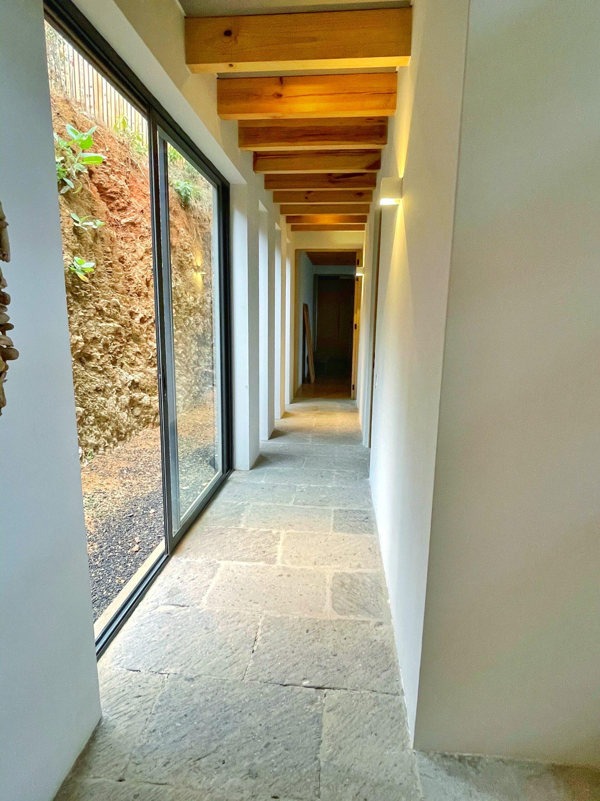 Moderna casa en venta, Increíble Vista al Lago, El Santuario, Valle de Bravo. 15
