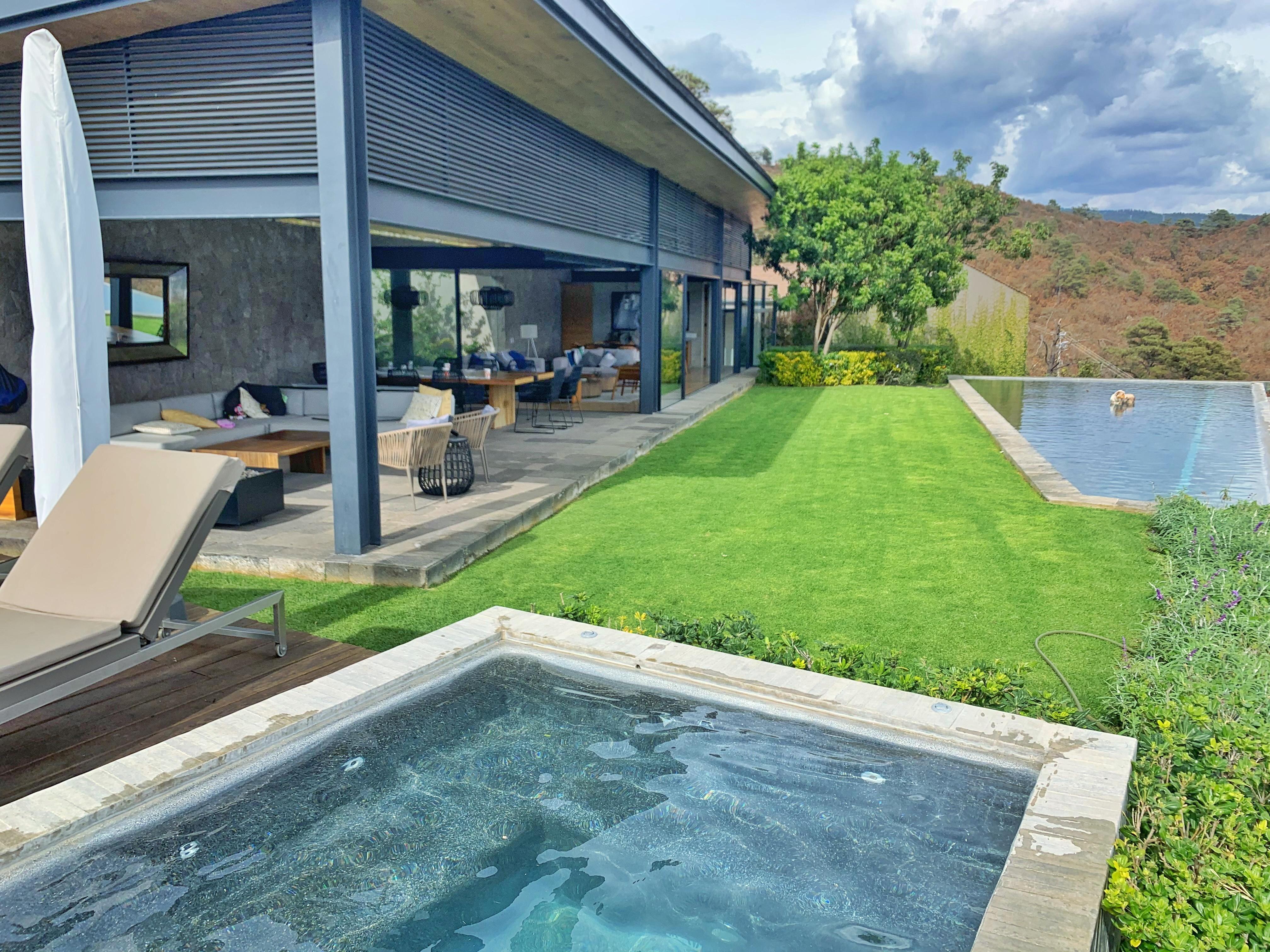 Moderna casa en venta, Increíble Vista al Lago, El Santuario, Valle de Bravo. 35