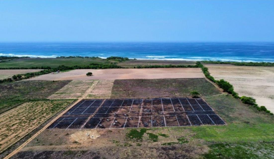 Tierra blanca / Lotes 200 - 250 m2 / a 500 m de la playa 1